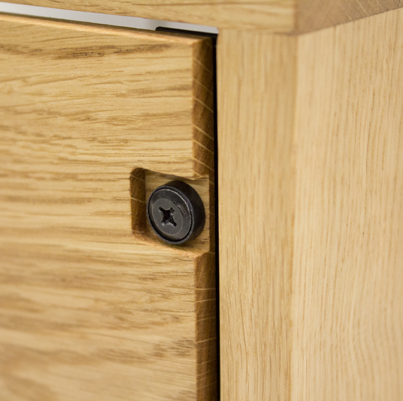 4U_oak__rack_with_vents_blanking_panel_detail_small